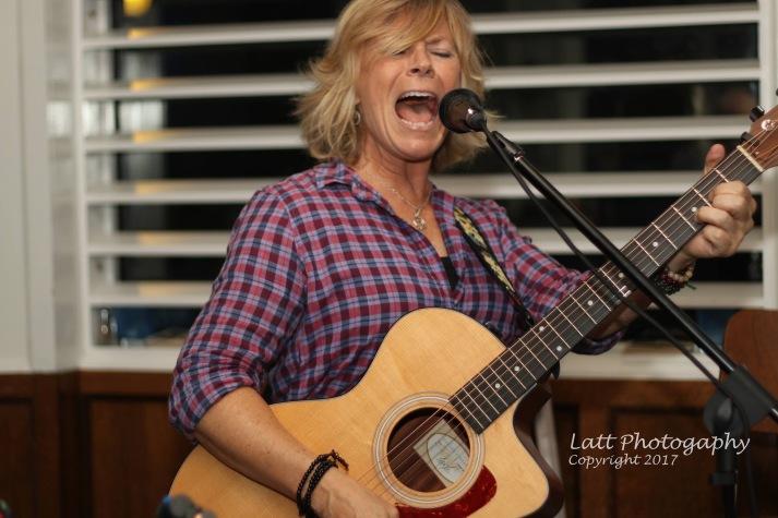 Susan Carson performing at TruNorth Tavern, Bridgeport, CT. 9.6.2017. Photo credit Donna Lattarulo